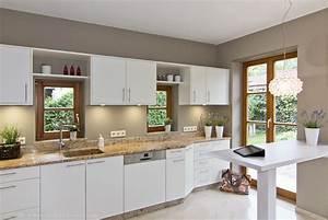 Wir renovieren ihre kuche weisse kueche welche for Welche arbeitsplatte zu weißer küche