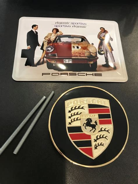 Was Ist Ein Badge by Lot With A Porsche Classic Grill Badge Logo And A Metal