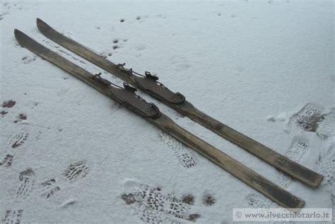 vecchi sci legno himalaja