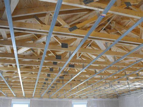 mise en place suspentes et rails pour placo du plafond