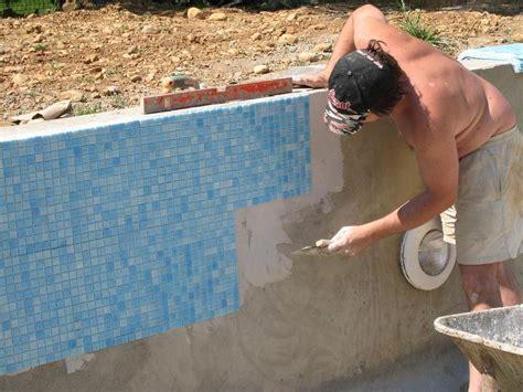 coller faience sur faience 2 232 me partie sur le carrelage la pose du carrelage de la piscine
