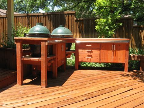 outdoor kitchen lighting affects   food