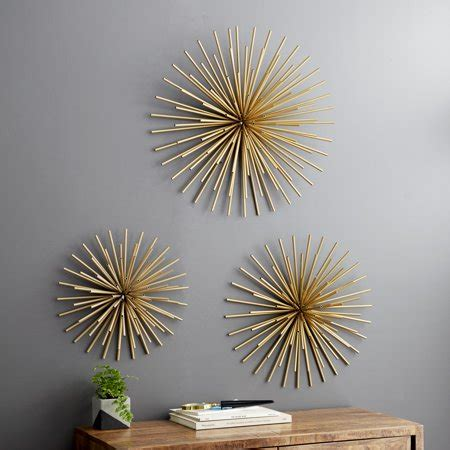 """This is a texture, not a piece of 3d art, i did not see the words built with texture grrr, it is my fault this is a real eye catcher. Decmode - Large Gold Starburst Metal Wall Decor Sculptures, Set of 3: 24"""", 20"""", 16"""" - Walmart.com"""