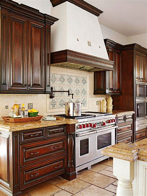 When staining oak cabinets, consider colors such as golden oak, maple, colonial oak, and pecan. Decorating with Oak Cabinets | Better Homes & Gardens