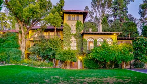 year  riverside mansion  tie  landmark mission inn  market   million