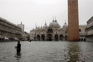 is venice sinking worst floods in a decade sw three