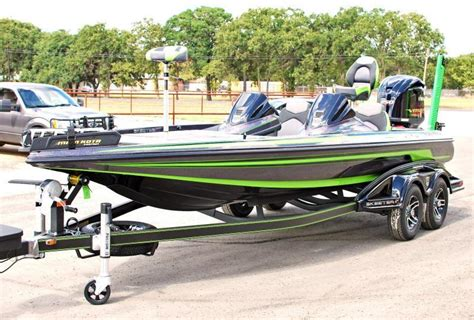 Skeeter Boats For Sale East Texas by Typical Bass Boat Speed Skeeter Bass Fishing Texas
