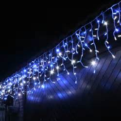 100 led blue white outdoor connectable icicle lights lights4fun co uk