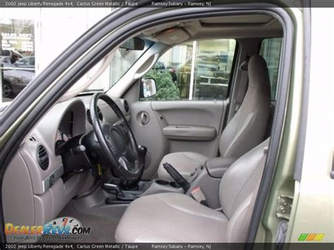 used jeep liberty interior taupe interior 2002 jeep liberty renegade 4x4 photo 8