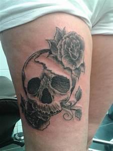 Tete De Mort Fleur : tete mort fleur tarzan tarzan tattoo ~ Mglfilm.com Idées de Décoration
