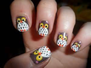 Owl nail art kiss and make up