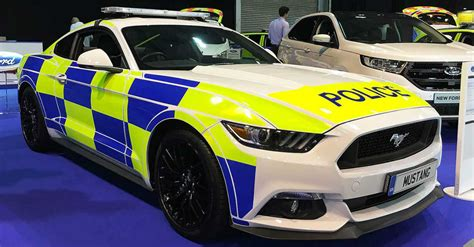 25 Fastest Police Cars From Around The World