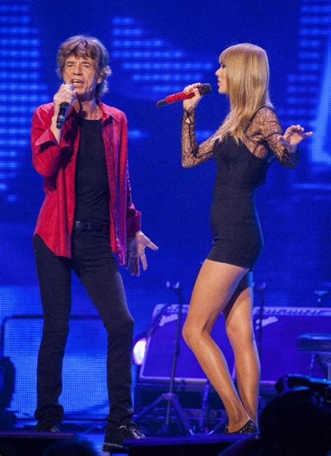 taylor swift performing   rolling stones concert