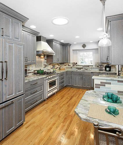how to stain oak kitchen cabinets grey stained oak cabinets search kitchen 8911