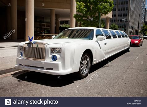 Roll Royce Limousine by Rolls Royce Stretch Limousine Usa Stock Photo Royalty