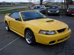 Ride Auto: 2001 Ford Mustang GT Convertible 5 Speed