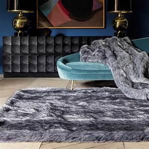 Tapis Fourrure Gris : tapis haut de gamme shaggy gris en fausse fourrure par ligne pure ~ Teatrodelosmanantiales.com Idées de Décoration
