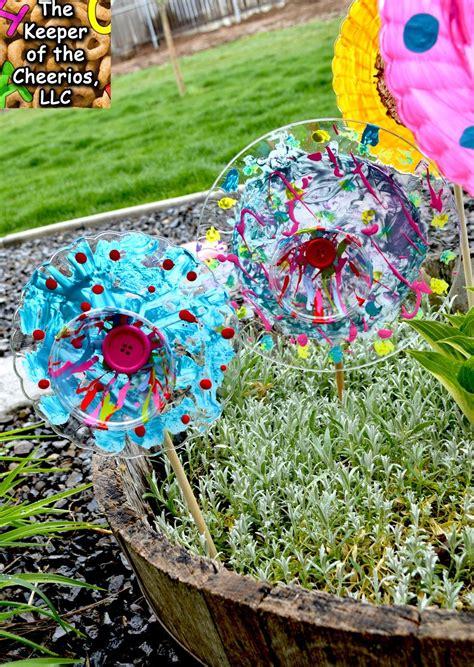 Deko Garten Plastik by Plastic Plate Flowers Deko Deko Und Blumen
