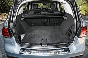 Mercedes Glc Hybride Prix : mercedes benz renouvelle sa gamme de suv avec le glc 250 4matic ~ Gottalentnigeria.com Avis de Voitures
