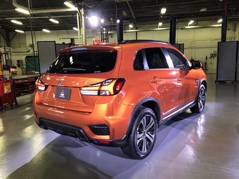 2020 mitsubishi outlander 2020 mitsubishi outlander sport shows new in america