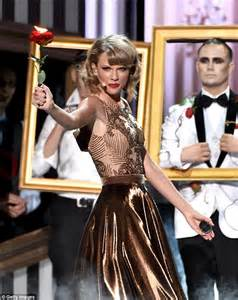 taylor swift  theatrical ama performance  blank
