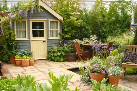 Trois astuces pour customiser son abri de jardin   Détente