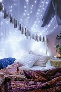 Guirlande Deco Chambre : 60 id es en photos avec clairage romantique ~ Teatrodelosmanantiales.com Idées de Décoration