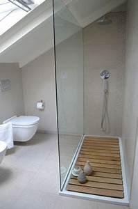 une salle de bain sous comble grise et lumineuse With salle de bain en sous pente
