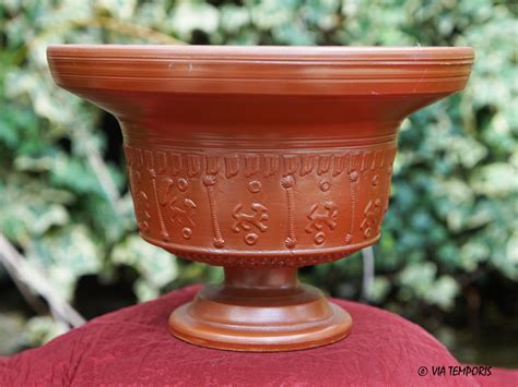 騅ier de cuisine en ceramique ceramique gallo romaine calice sigillee du sud de la gaule drag 11 carene via