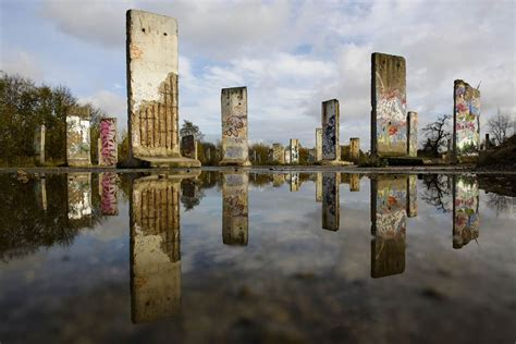 Wall : Berlin Wall's Disappearance Is Mourned By Germans