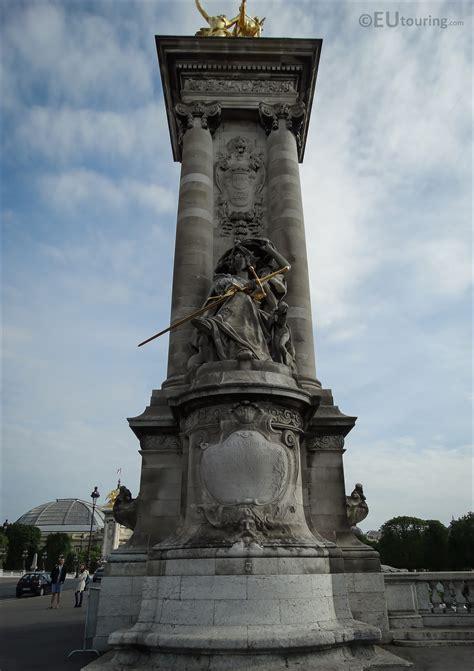 France de la Renaissance statue on Pont Alexandre III ...