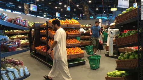 qatar tells stores   saudi products   shelves