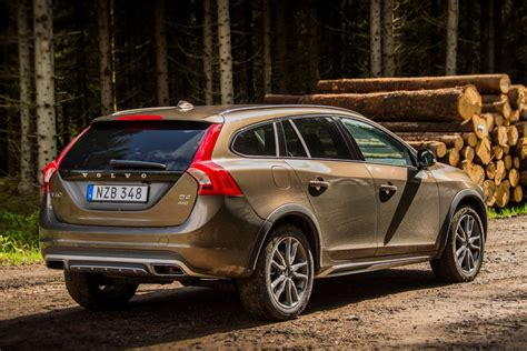 Volvo V60 Cross Country 2015 Pictures (1 Of 10) Cars