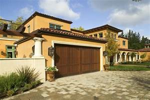 Get Italian Appeal With These Attractive Tuscan Style