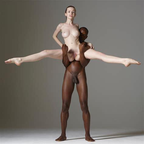 Dancing Naked Porn Pic EPORNER