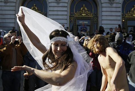 Naked Wedding At San Francisco City Hall Ends In Arrest Nsfw Huffpost