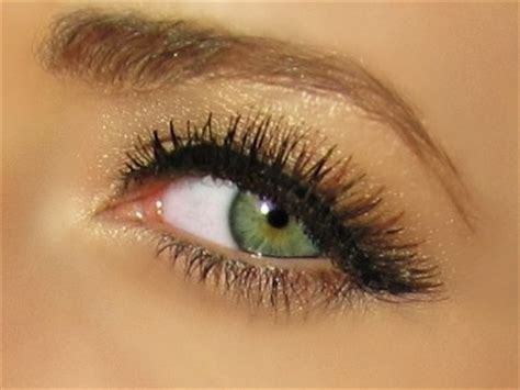 makeup tips  green eyes girl gloss
