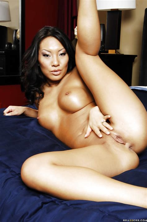 Busty Asian Wife Asa Akira Goes Nude And Rubs Her Shaved