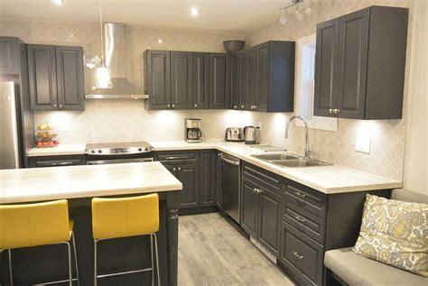 couleur armoire cuisine des cuisines en bois dcoration cuisine en bois cuisine