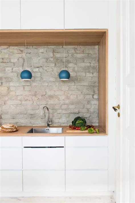 installing kitchen tile eksponert tegl veggen sprutsonen minner om at vi 1892