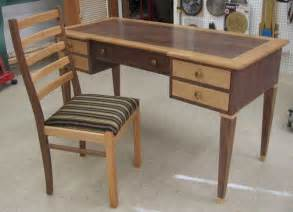 Free Woodworking Plans for Desk Chairs