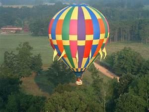 Join the hot air balloon festival of Karnataka