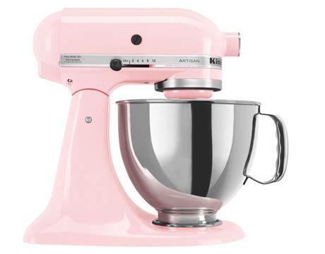 smeg mixer rosa decorando cocina en pink