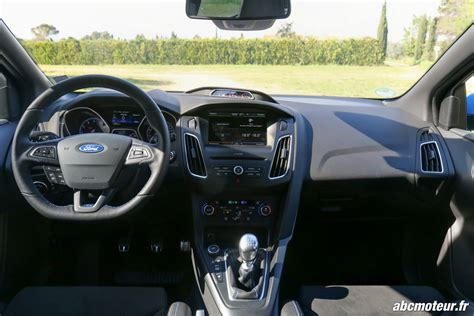 interieur ford focus rs essai ford focus rs la plus des compactes sportives