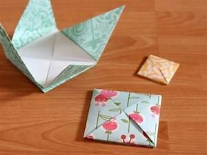 Idée Cadeau Avec Photo Faire Soi Meme : diy enveloppe origami a motifs floraux tres facile a faire enveloppe pour cacher un cadeau ~ Farleysfitness.com Idées de Décoration
