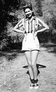 1940s vintage fashion style found photo girl in shorts ...