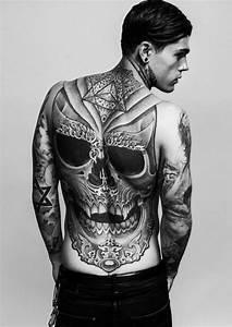 Tattoo Ideen Rücken : totenkopf tattoo ideen und symbolik tattoos zenideen ~ Watch28wear.com Haus und Dekorationen