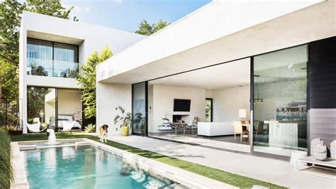 Sleek Modern Home Is An Indoor-outdoor Dream In Dallas