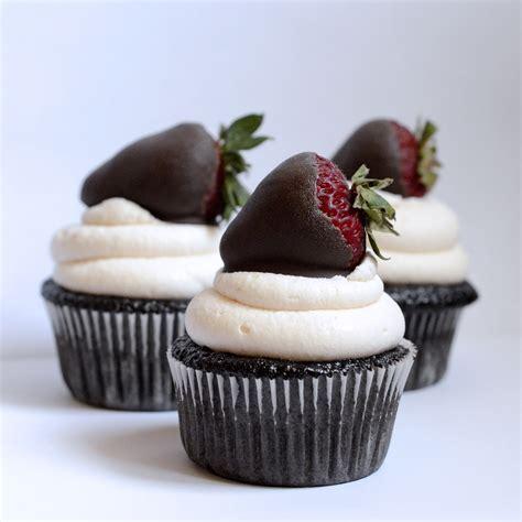chocolate cupcakes chocolate cupcakes foodie julie