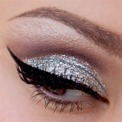 lemonade silver glitter eye shadow  high definition